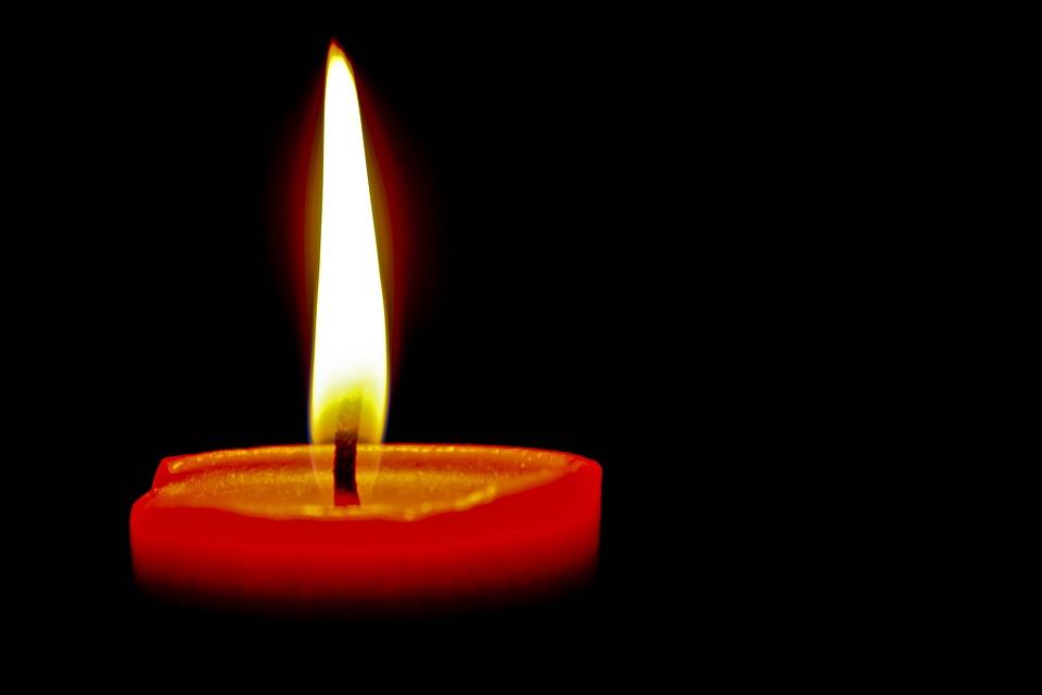 ¿Con la oración ven a mi se usa vela roja?